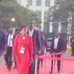 VIDEO: Moment President Museveni arrived at Kampala Serena Hotel for #UgDebate16 #UgandaDecides https://t.co/MuSASYo8nr