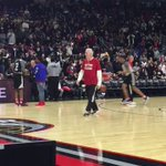 Gregg Popovich tried to guard Klay Thompson at practice! Lol! What yall think of his defense? #NBAAllStarTO #RosASW https://t.co/ER3VG0UPnx