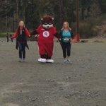 Gr8 clip of @SantaBearCFAX crossing the finish line today  @Bearmountain #diamonddash #helpfulbear 👟💎 https://t.co/coHs7H0rjb
