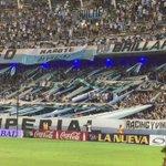 #RacingSanMartín Así festeja la gente luego del golazo de Romero para poner a Racing adelante en el marcador. https://t.co/JxGx5SN8eU