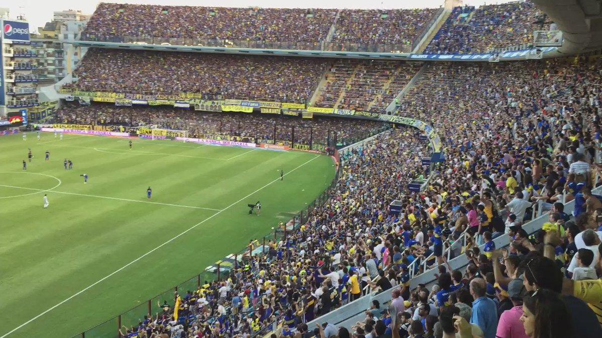 La reacción de los hinchas después del gol de Atlético Tucumán, más apoyo y más aliento para los jugadores. https://t.co/RIgj75uM0B