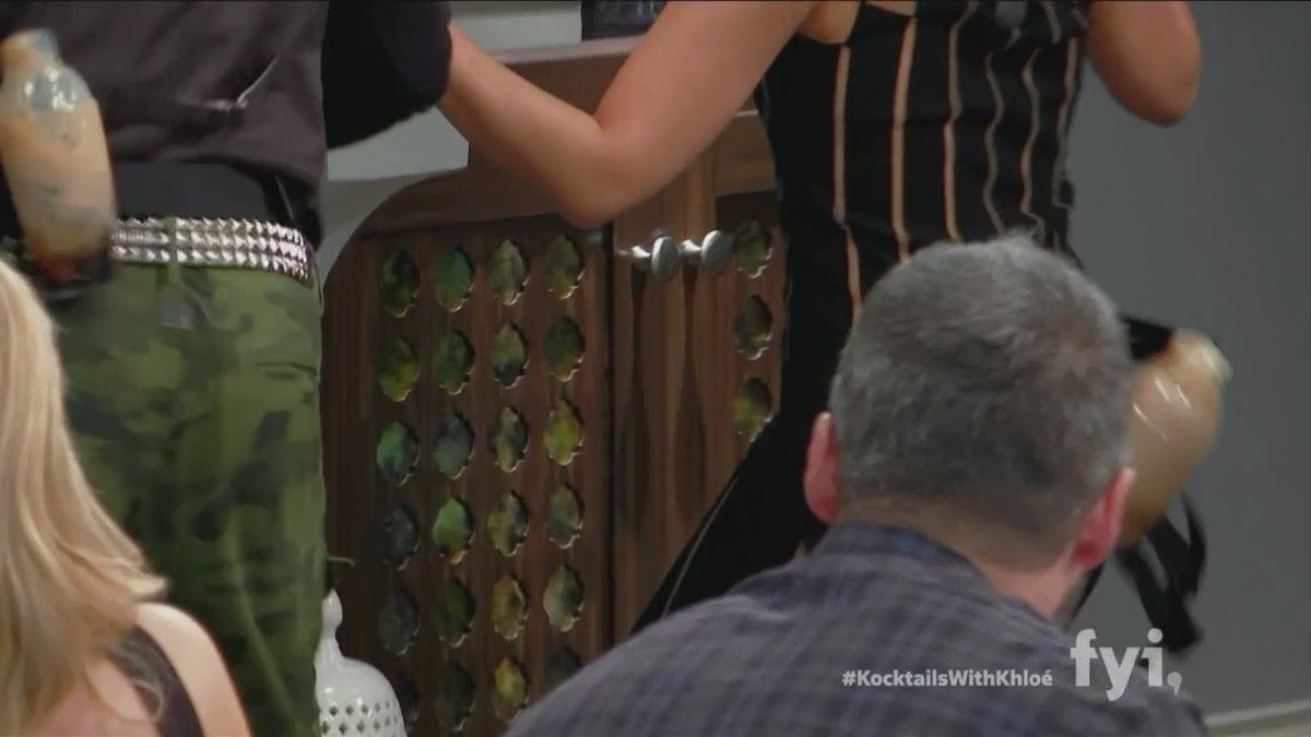 RT @whipclip: Will #twerk for dranks @KatDeLuna @TayeDiggs showin up & showin out! #KocktailsWithKhloe Still ???? @SharoneHakman tho https://t…
