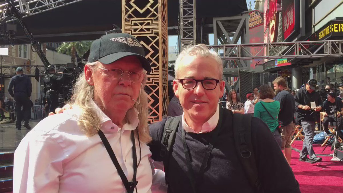 Arriving for #Oscars red carpet rehearsals! And look here's John Stewart! (Kristen's dad) @ABCNetwork @people @ew https://t.co/jglgp4PnMB