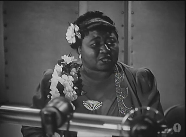 Today in 1940, Hattie McDaniel became the first black Oscar winner. WATCH her acceptance speech: #BHM https://t.co/byBUYUitaf