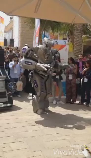 Cowering at the #phdrobot at #DubaiLynx. Nice job by @phdUAE https://t.co/2JgUHYiIhY