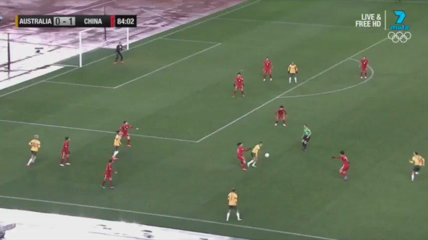 WHAT. A. HIT! @Em_surf with the stunner from distance. #AUSvCHN #AFCWOQ https://t.co/1ZmiXPbxfY
