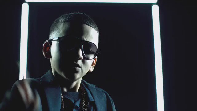 Thanks for all the support...lyric video droppin soon @daddy_yankee #NOESILEGAL #NOTACRIME https://t.co/mphqdr0BZr
