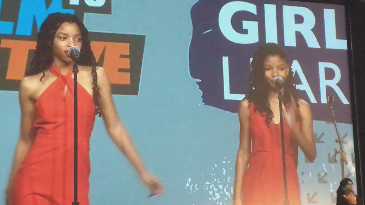 .@chloeandhalle own the #SWSX stage with @MAKERSwomen. Yes, this is for my girls! #LetGirlsLearn https://t.co/YDPTNIuk1K