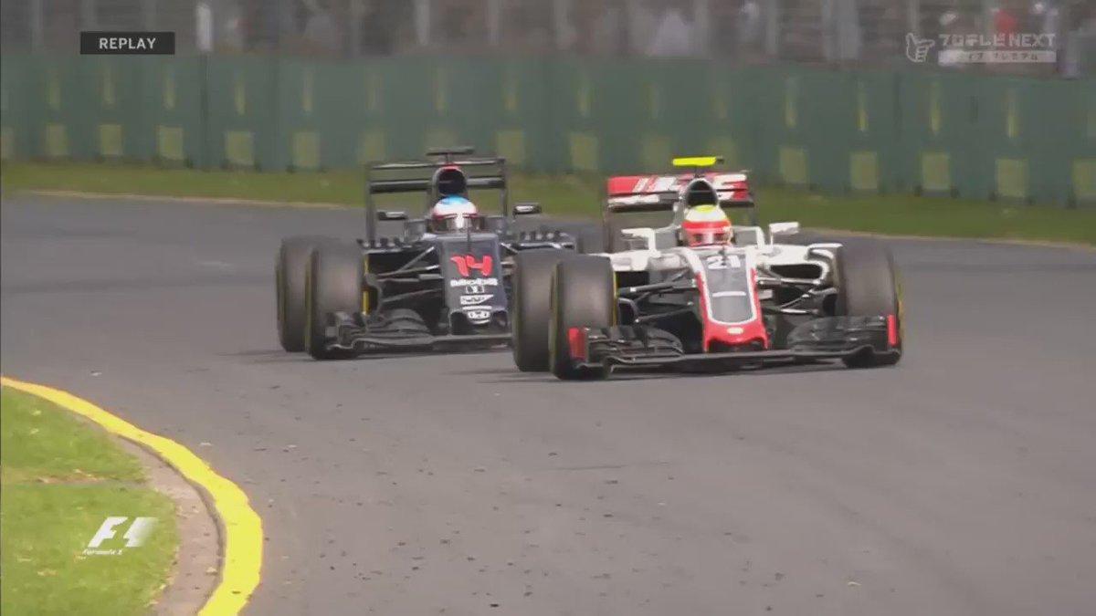 #F1 Horrorcrash van #Alonso, die ongedeerd kan uitstappen: #RTLGP https://t.co/y8JJ1eqxgg