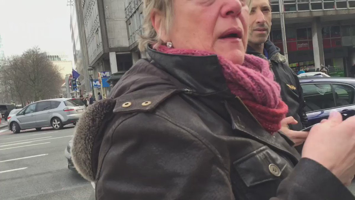 People being evacuated from Brussels metro after explosion nearby. I just talked to this shocked lady. #VRTnieuws https://t.co/vUwaYjcd2L
