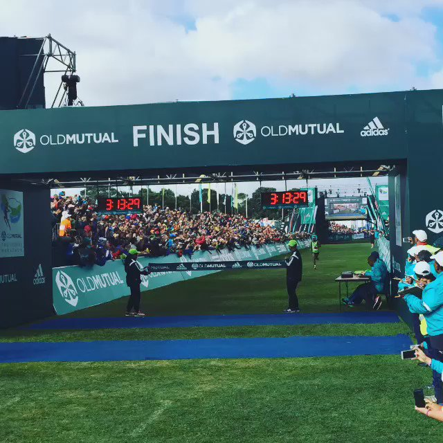 There you have it ladies and gentlemen.. The winner of the @2oceansmarathon #OMTOM2016 56km, Mike Fokoroni. https://t.co/4iHXqRmicR