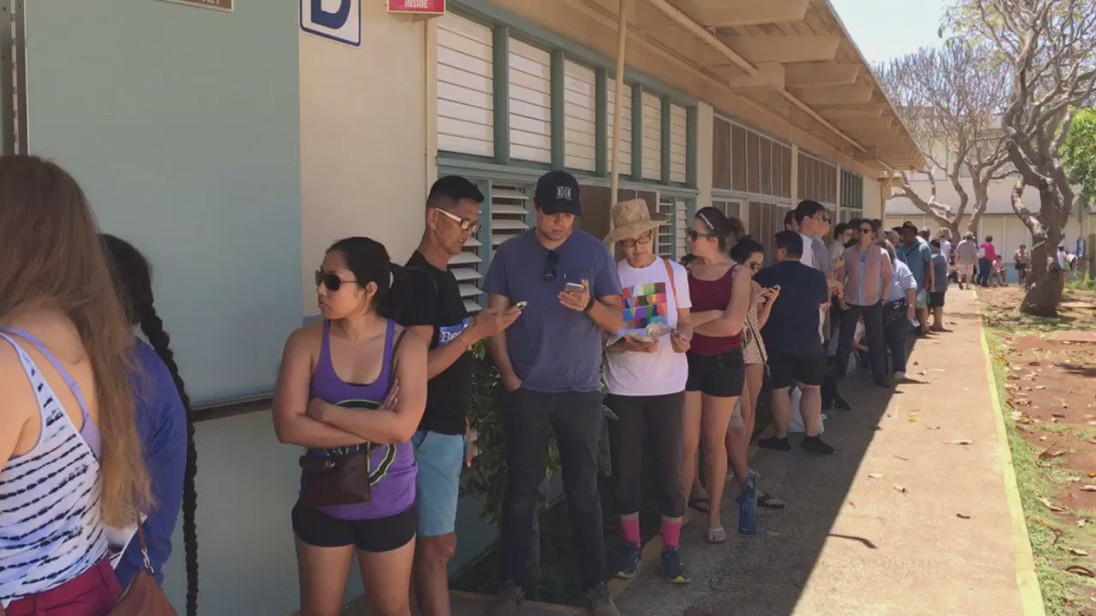 Polls are now open In Hawaii for the Democratic caucus. #HIcaucus https://t.co/ITR47pIwLc