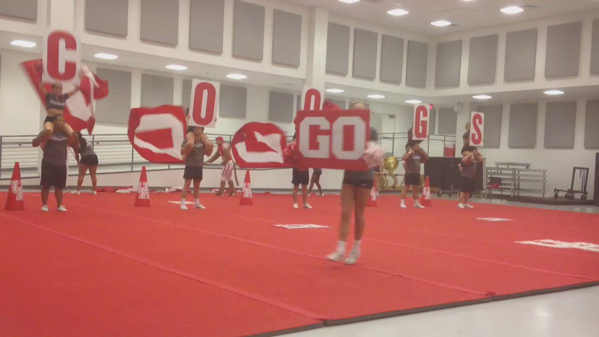 Hey #Coogs! Support @UHCheerleading as they head to nationals. Get the story this morning on @abc13houston https://t.co/uaIVcld8Ml