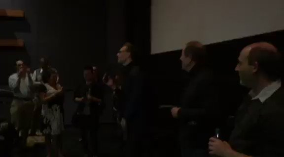 Not only did @twhiddleston answer fans' questions, he also sang for them! #ISAWTHELIGHT https://t.co/QfrCWNzcmA