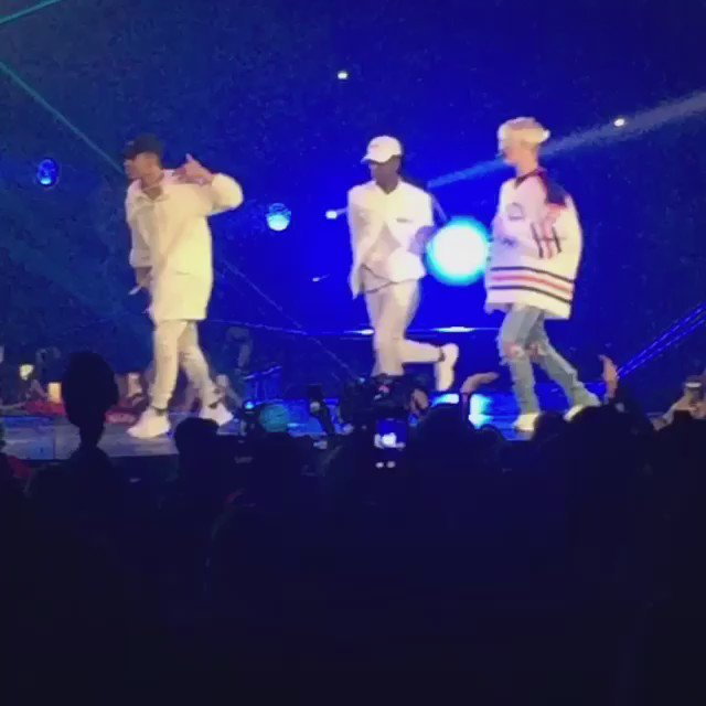 .@justinbieber's #PurposeTour is a beautiful show! @NickDeMoura did an incredible job putting it together!