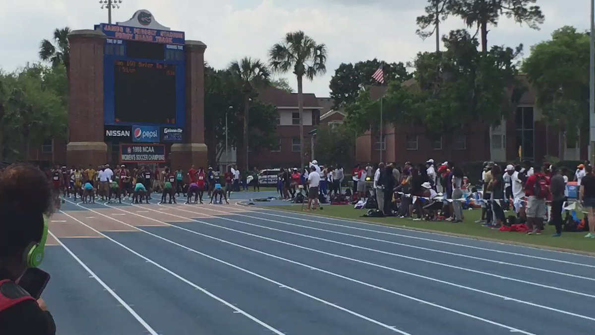 #FloridaRelays Men's 100m H1 @De6rasse 9.99 @khwilfried 10.04 take it easily @ALTISworld https://t.co/997da4nPt4