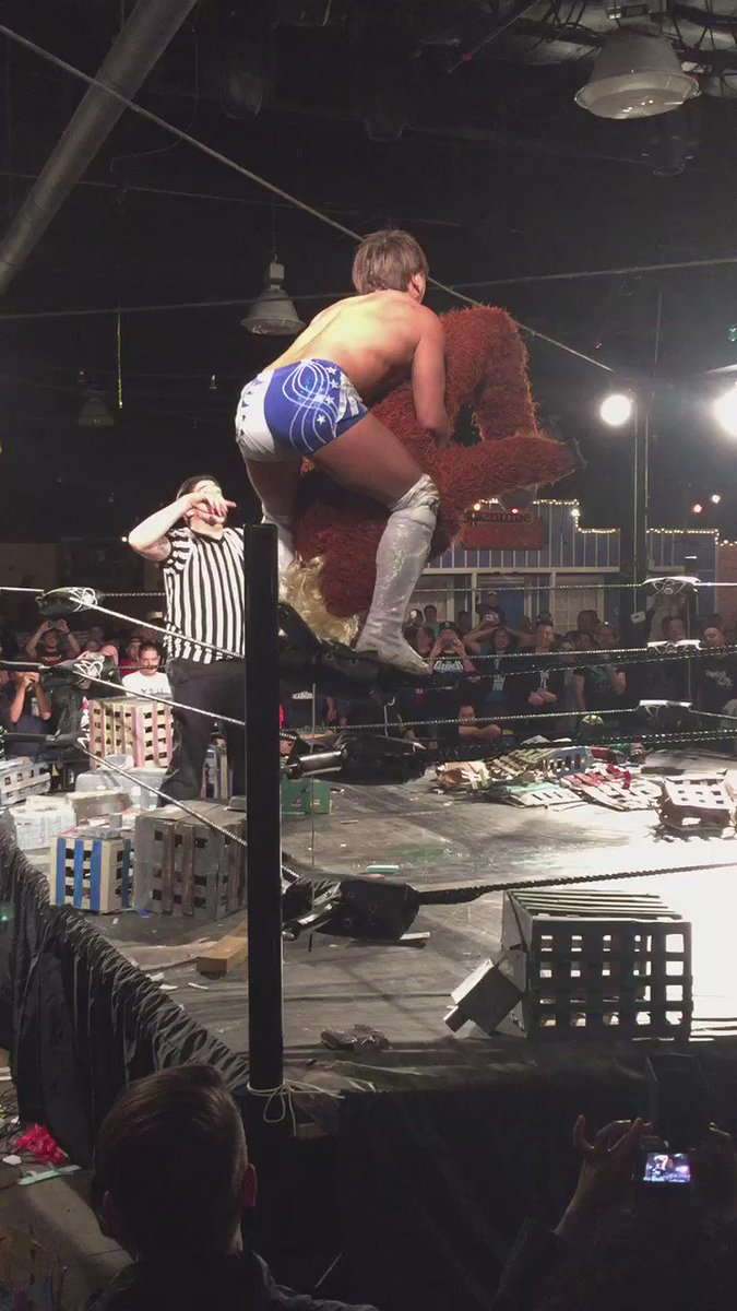 Ibushi with the super powerbomb on a stuffed suit for the win. #KaijuBigBattel https://t.co/zQDV9IPh0U