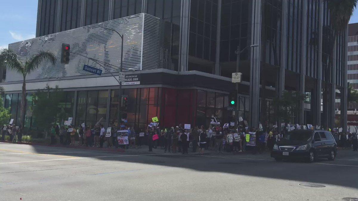 YUGE protest outside @cnn protesting Bernie's media coverage #BernTheMedia #OccupyCNN #FeelTheBern https://t.co/NUx8VLX1S5