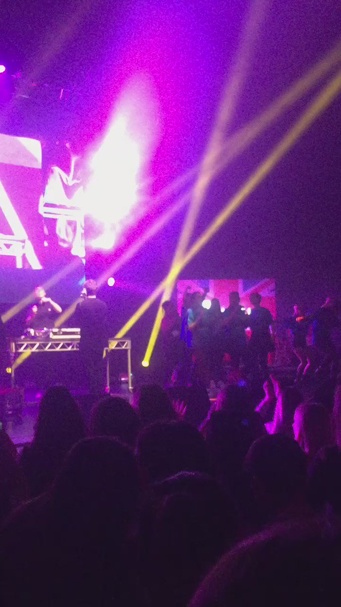 Our comp winners are dancing on stage with their hero @tydelevi ! #Amplifylive https://t.co/hJJB7YuHzy