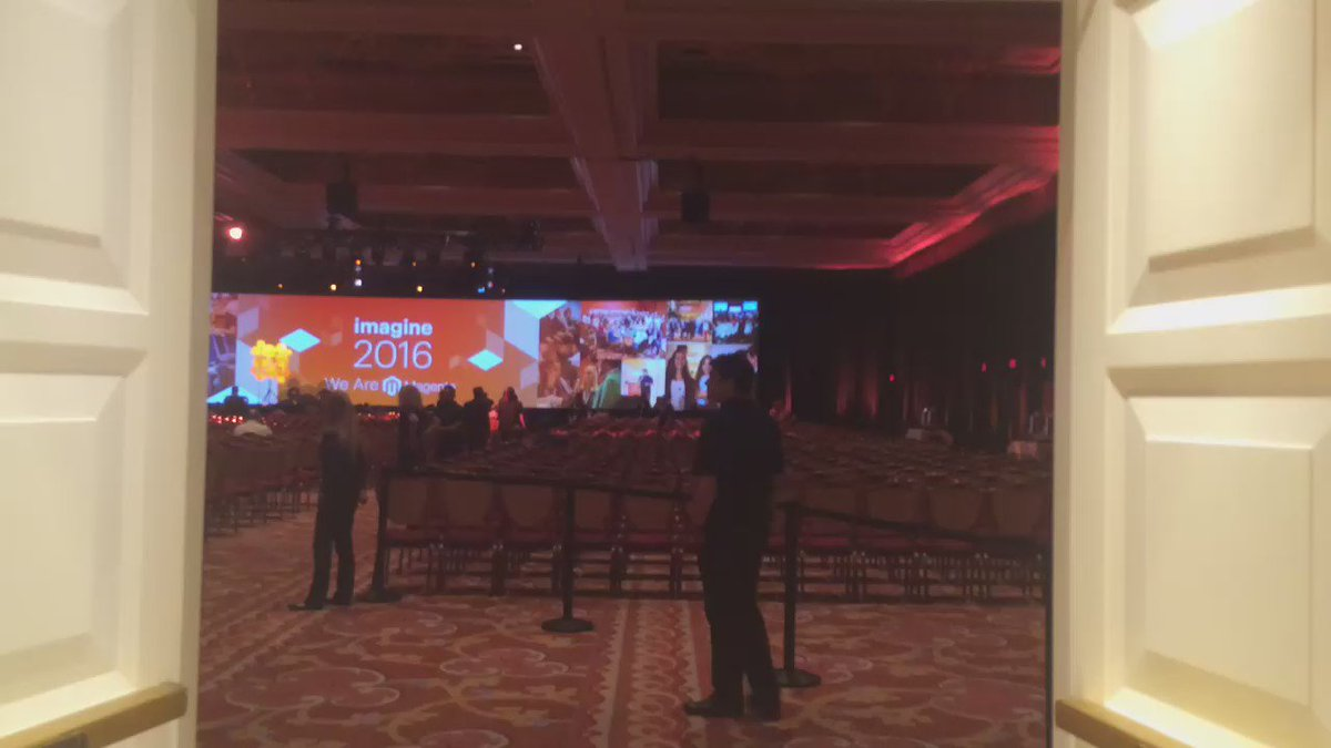_Talesh: Walking in the General session at #MagentoImagine https://t.co/FEsm2oBC6k