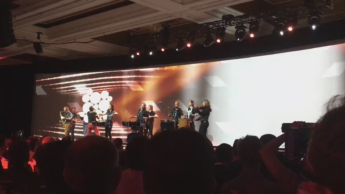 phoenix_medien: A live band is rocking the show #MagentoImagine https://t.co/i80U1Ae0Y7