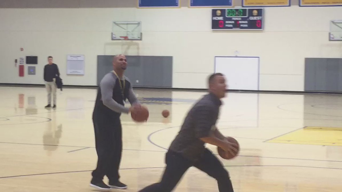That would be Albert Pujols missing, Mile Trout dunking.  Just another day at @warriors practice. #Angels #KTVU https://t.co/GOP6qyqBOf
