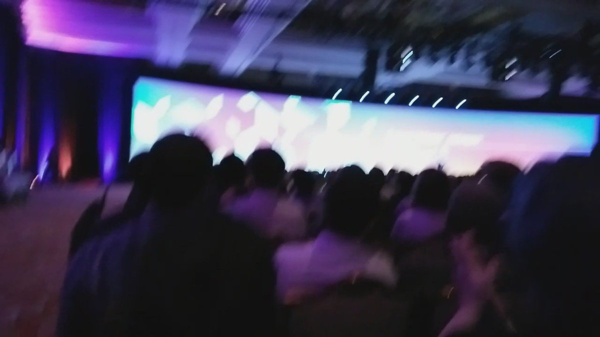 tutnix: Welcome @MagicJohnson at #MagentoImagine https://t.co/LBJVJuMhrS