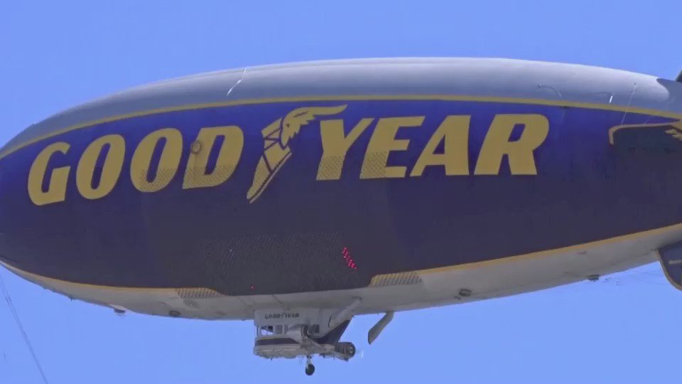 Sending a @GoodyearBlimp salute to @KobeBryant & his 20-year game-changing @NBA career. Farewell! #MambaDay @Lakers https://t.co/HmhU0APea3