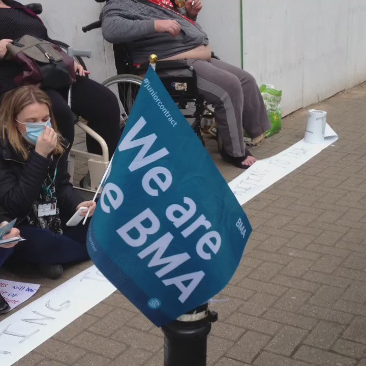 Come sit down with #nhs staff in Bristol. Silence is golden. @TheBMA #juniorcontract #nhs #bristol https://t.co/SRR3VIJNGu