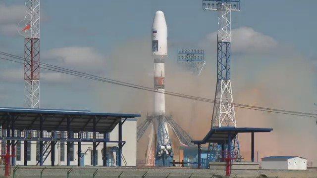 Космодром #Восточный: первый запуск ракеты-носителя https://t.co/DSuLxC14qE