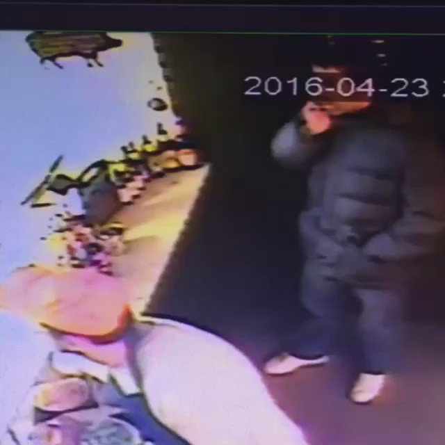 This idiot stole our tip jar! Bring it back! #loseroftheweek https://t.co/c3wXabSsXr