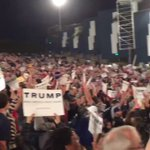 Heres my perspective during the Costa Mesa Trump rally showing the MASSIVE crowd! AWESOME rally! #YUGE #Trump2016 https://t.co/Ptg3EfYcyf