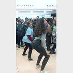 Laura a dançar !!!😏😏 @turns2much  Nao reparem na agressividade da outra 😂😂 https://t.co/1FspqaAPsc