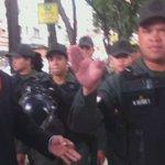 GNB expulsó a la prensa de la Plaza frente a Corpoelec https://t.co/O6kB5BjH4x