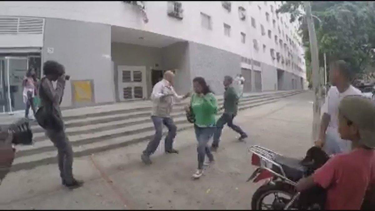 http://pbs.twimg.com/ext_tw_video_thumb/726093976722399233/pu/img/52zgFSaO27KcTIus.jpg