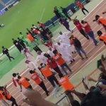 فيديو : إدارة #الأهلي بقيادة مساعد الزويهري تحتفل بعد نهاية المباراة مع المجانين .. https://t.co/ZhlM3cy45j