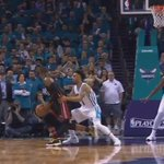 Heats Dwyane Wade serves the Hornets w/ the clutch dagger then stares down the Heckler https://t.co/ibP3mXEC2q