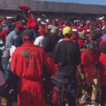 Fighters looting a food van carrying food for those entering the Orlando stadium. #EFFManifesto https://t.co/tnkPxRTNXh