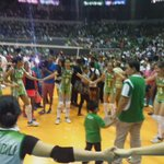 """We love you, Coach"" #ALLINLaSalle #UAAPSeason78 @spinph https://t.co/lxqqYf3a1U"