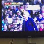 """""""Tiempo de cambio"""" """"Wenger: 12 años de excusas, Ranieri 9 meses campeón""""  dicen fans del #Arsenal . #ArseneWenger https://t.co/lQEqBnKUlD"""