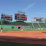 #SoxBP was busy for @JosephKellyJr who tossed the ball with Price, played some infield, and posed for pics. ⚾️ https://t.co/R9K6YNwjPp