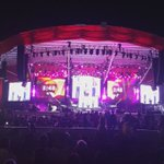 """""""Toca que toca Jaime Dangond y la gente goza con mi acordeón"""". Jaime Dangond, puya de su autoría. #ElVallenatoVive https://t.co/KpSs50duDJ"""