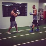 Extra work on a Sunday with the USO @SonnyBWilliams new warm down routine #RunningMan&Boxing #WhenTheBeatDrops https://t.co/NXn6Na9z9C