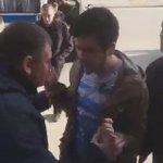 Видео задержания Артема Лоскутова. У него отобрали планшет и телефон. Причины задержания не назвали https://t.co/Ne0CrW4MVS