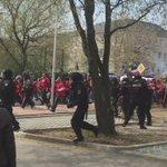 Nazis greifen @PolizeiSachsen an, versuchen Durchbruch zur linken Gegendemo.  #plauen0105 #NeueNormalität https://t.co/iaXUDat5Qa