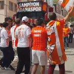 Adanaspor taraftarları şampiyonluk kutlamalarına tesislerde halaylarla başladı 😄 https://t.co/z0qTisHPRZ