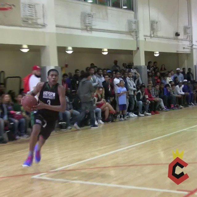 Class of 2017 G Saquan Singleton destroys defender at Junior #HoopsShowdown