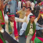 Chalo Chalo Imran ke Saath - Lahoris celebrates the wave of Change! Corruption Free Pakistan on its way. https://t.co/qSY3HldIqg