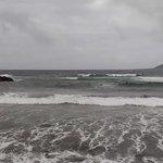 Llámame excéntrica, pero los días grises con marea furiosa en @LasCanteras me parecen bellísimos @EmocionesCan https://t.co/r95ksRJaXM