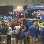 Crowd chanting Bernie as he wraps up the rally. I will be LIVE at NOON with highlights from ONEP. https://t.co/476efzDgte